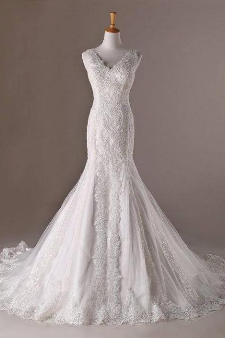 Sleeveless V-Neck Lace Mermaid Wedding Dress Featuring Train